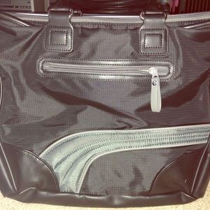 Puma blk zippered work out tote! Used once!
